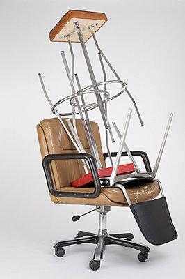 Gestapelte Stühle - p6060467 von Iris Friedrich