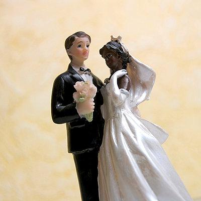Wedding figures - p8130303 by B.Jaubert