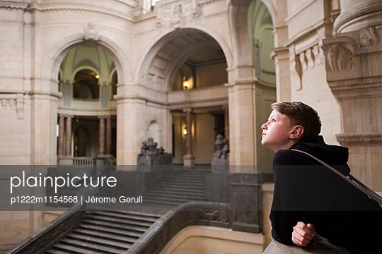Besucher in Neuen Rathaus - p1222m1154568 von Jérome Gerull