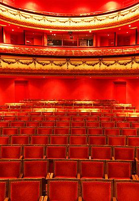 Theatre du Jeu de Paume - p778m1032417 by Denis Dalmasso