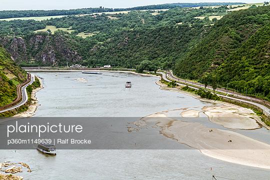 Am Rhein - p360m1149639 von Ralf Brocke