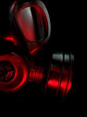 Alte Gasmaske - p1280m2203325 von Dave Wall