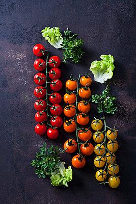 Cherry tomatoes - p300m1549586 by Dieter Heinemann