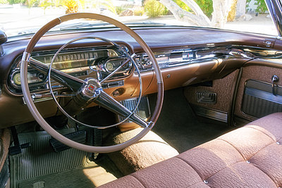 USA, Classic Car Dashboard - p1154m2229521 by Tom Hogan