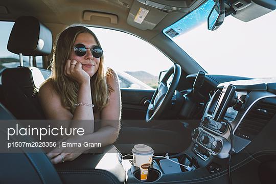 Road-Trip  - p1507m2028356 von Emma Grann