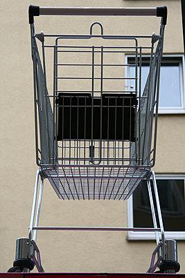 Shopping trolley - p9791538 by Einecke