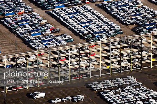Sea terminal with cars in Bremerhaven - p1016m1137515 by Jochen Knobloch