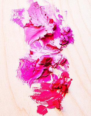 Creamy make-up - p1397m2054590 by David Prince
