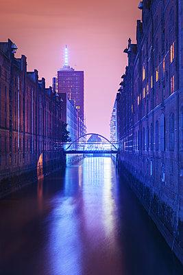 Blue Port Hamburg in der Speicherstadt - p1515m2053435 von Daniel K.B. Schmidt