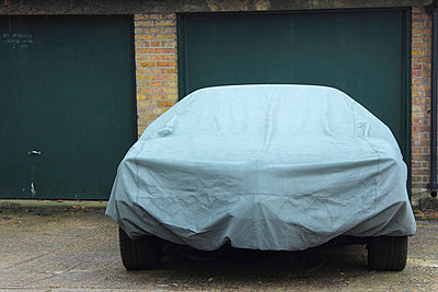 Car ander tarpaulin - p097m853555 by K. Krebs
