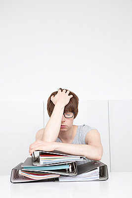 Overworked - p4540735 by Lubitz + Dorner