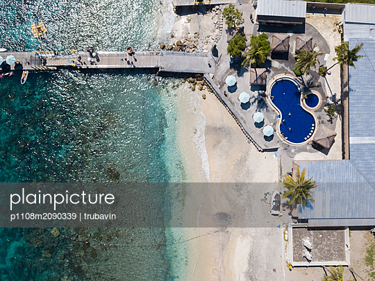 Indonesia, Bali, Aerial view, Hotel on the beach - p1108m2090339 by trubavin