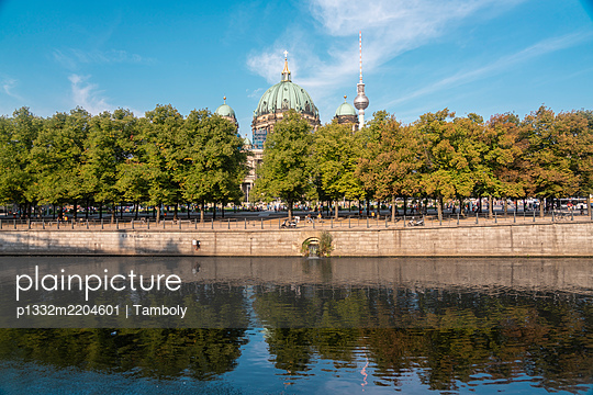 Lustgarten with Berliner Dom, Museumsinsel - p1332m2204601 by Tamboly
