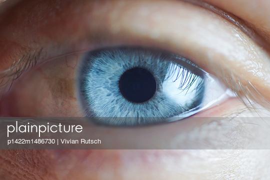 Blaues Auge - p1422m1486730 von Vivian Rutsch