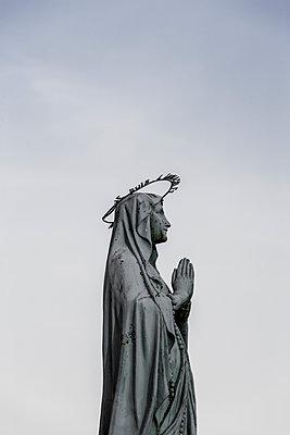 Betende Madonna, Belvoir, Doubs - p248m1030774 von BY