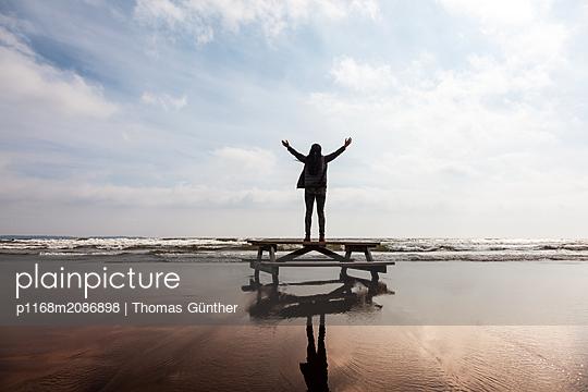 p1168m2086898 by Thomas Günther
