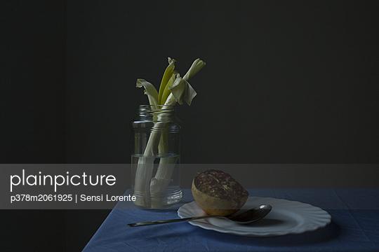 p378m2061925 von Sensi Lorente