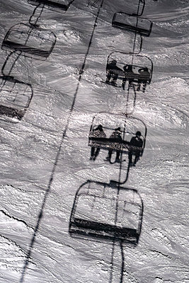 France, Shadow of a chair lift at night - p1007m2216567 by Tilby Vattard