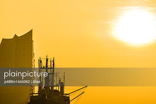 Sonnenaufgang - p488m1444362 von Bias