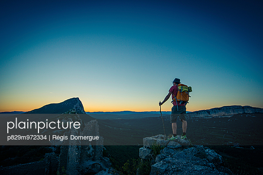 Hiking at Pic Saint-Loup - p829m972334 by Régis Domergue