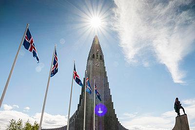 Reykjavik, Hallgrímskirkja - p741m2108939 by Christof Mattes