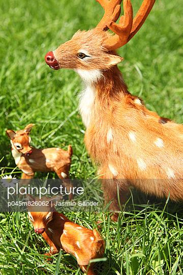 Deers - p045m826062 by Jasmin Sander