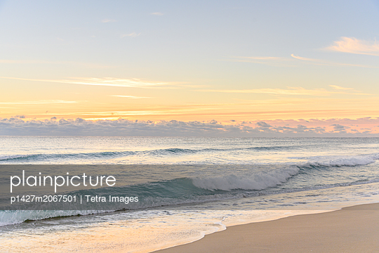Waves on beach in Boca Raton, Florida - p1427m2067501 by Tetra Images