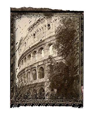 Colosseum - p401m741031 by Frank Baquet