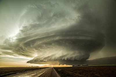 Structured supercell, Leoti, Kansas, USA - p429m1494499 by Jessica Moore