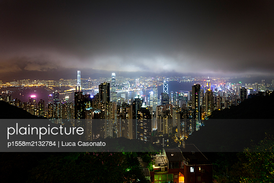 Hong Kong from Victoria Peak - p1558m2132784 by Luca Casonato