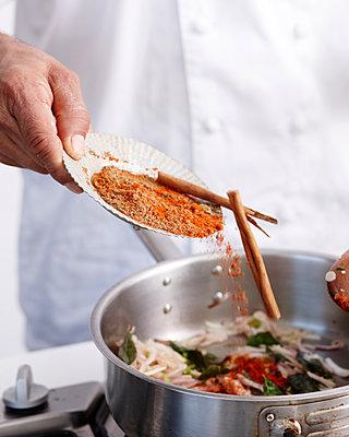 How to Make Curry Step 08 - p429m958538f by BRETT STEVENS