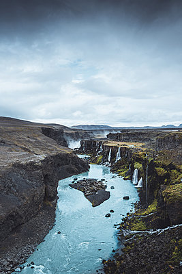 Canyon filled with many waterfalls in the Highlands of Iceland - p1634m2210331 by Dani Guindo
