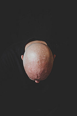 Bald head from above - p445m1527813 by Marie Docher