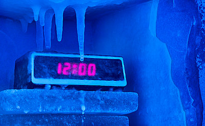 Frozen alarm clock - p555m1304015 by Dennis Lane