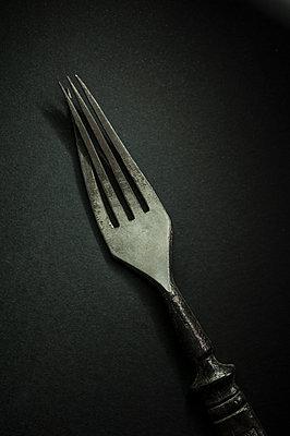 Crooked fork - p971m1190916 by Reilika Landen