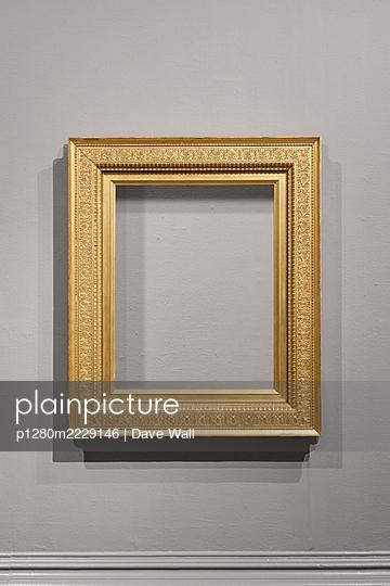 Vergoldeter Bilderrahmen - p1280m2229146 von Dave Wall