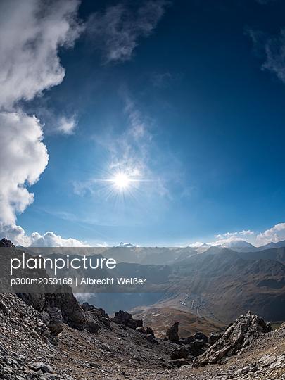 Border region Italy Switzerland, mountain landscape at Piz Umbrail - p300m2059168 by Albrecht Weißer