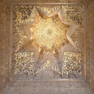 Spain, Granada, Alhambra, Ceiling - p1332m2205601 by Tamboly