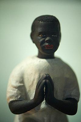 Betende Puppe - p1164m1111425 von Uwe Schinkel