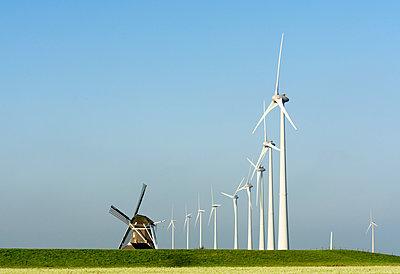 Windenergie in Eemshaven - p1132m949261 von Mischa Keijser