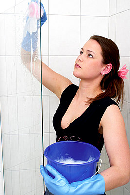 Cleaning lady - p2610312 by Jens Rufenach