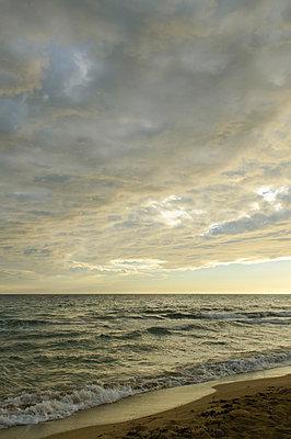 Gewitter über dem Mittelmeer - p324m932758 von Bildagentur Hamburg