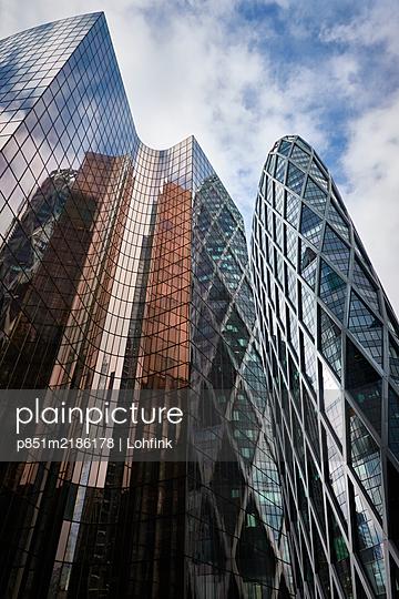 France, Paris, La Defense, High-rise buildings - p851m2186178 by Lohfink