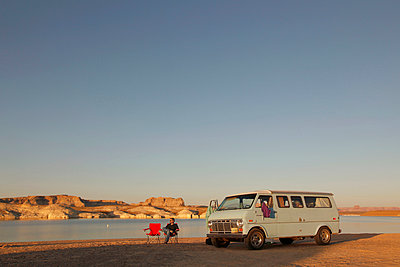 Camping at Lake Powell - p214m1008211 by hasengold