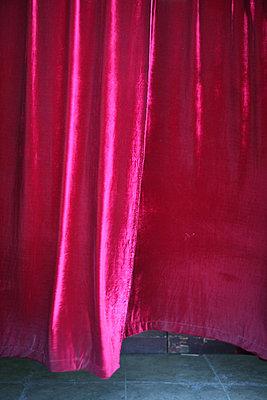 roter vorhang - p6270216 von bobsairport