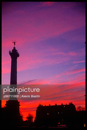 Bastille im Sonnenuntergang - p56711000 von Alexis Bastin