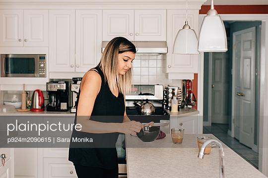 p924m2090615 von Sara Monika