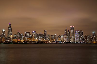 Chicago skyline - p1399m1442059 by Daniel Hischer