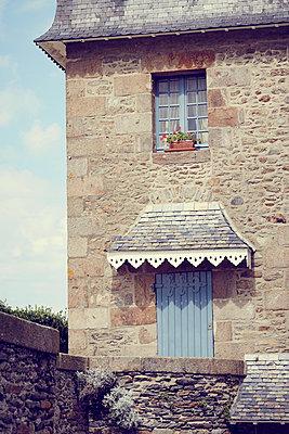 bretonische Altstadt - p464m1193616 von Elektrons 08