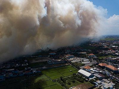 Indonesia, Bali, Aerial view of Sanur, smoke - p300m2042644 von Konstantin Trubavin